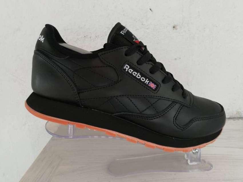 zapatos de futbol reebok retro barato liverpool