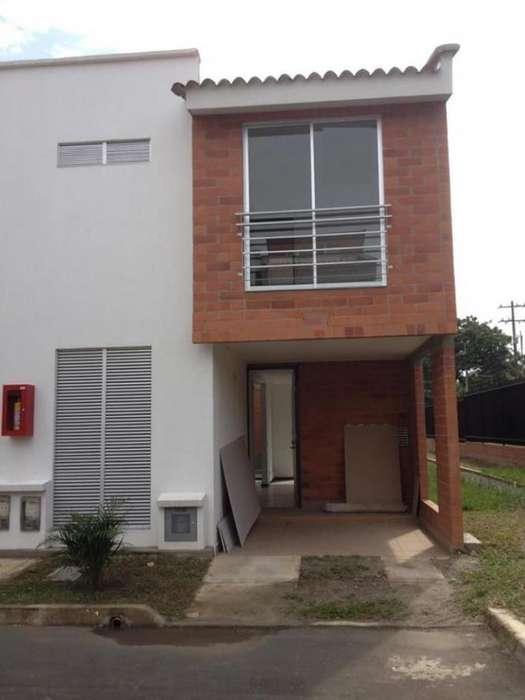 Casa Condominio En Venta En Jamundi Alfaguara Cod. VBSBI11891