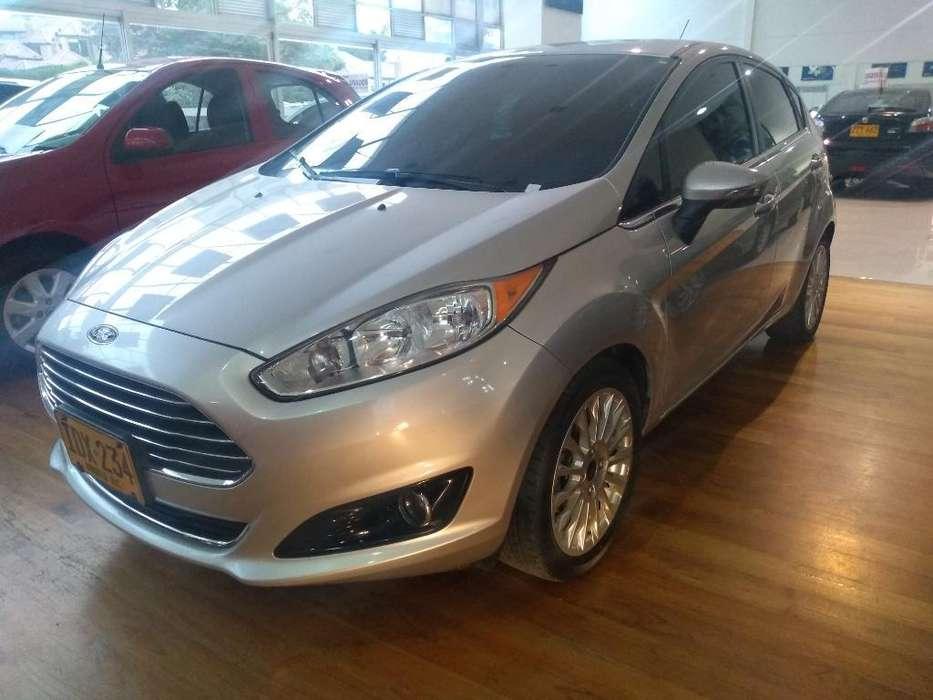 Ford Fiesta  2014 - 78000 km
