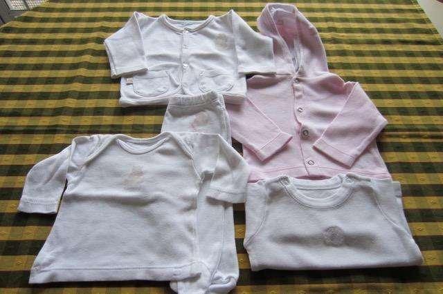 Lote de 5 prendas variadas para beba de 0 a 3 meses, marca <strong>cheeky</strong>!!, Advanced Baby!! y otras