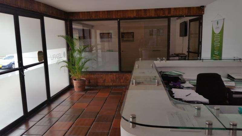 Edificio En Venta En Cali Granada Cod. VBJMI6296