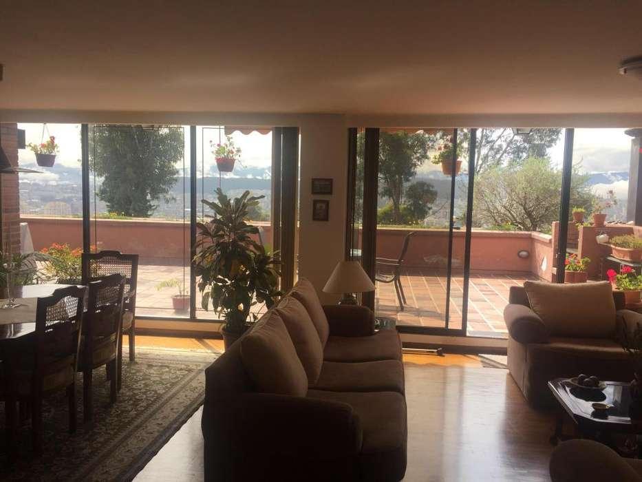 Venta departamento en Colinas del Pichincha preciosa vista, espacios amplios.