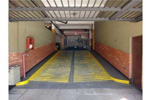 VENTA COCHERA - <strong>garage</strong> PRIVADO SEGURIDAD 24HS