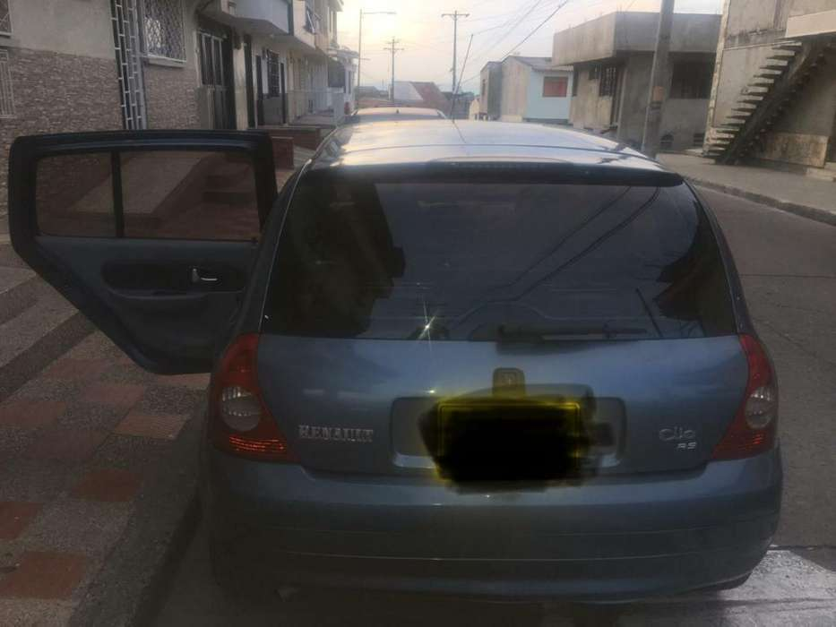 Renault Clio  2008 - 147000 km
