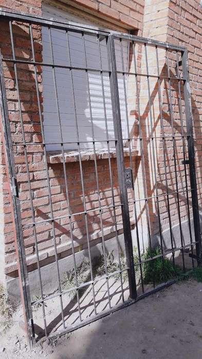 Puerta Reja Doble con <strong>cerradura</strong>