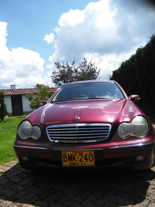 <strong>mercedes</strong>-Benz Clase C 2001 - 140000 km