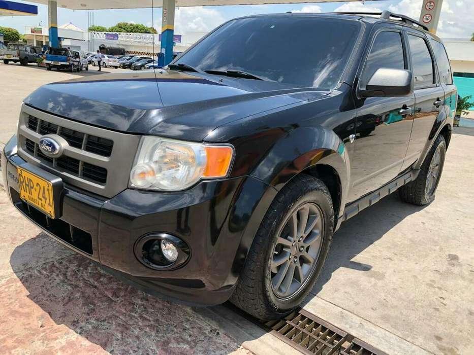 Ford Escape 2011 - 98130 km