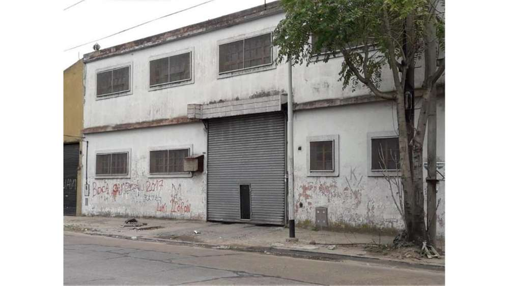 Suipacha 1255 - UD 260.000 - Galpón en Venta