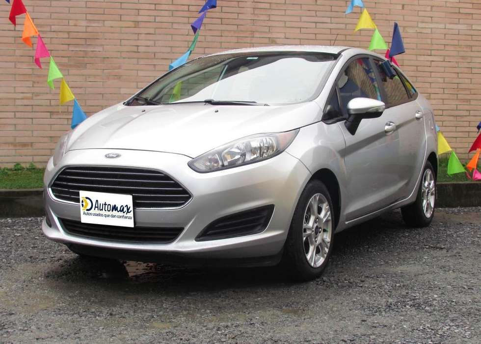 Ford Fiesta  2015 - 82490 km