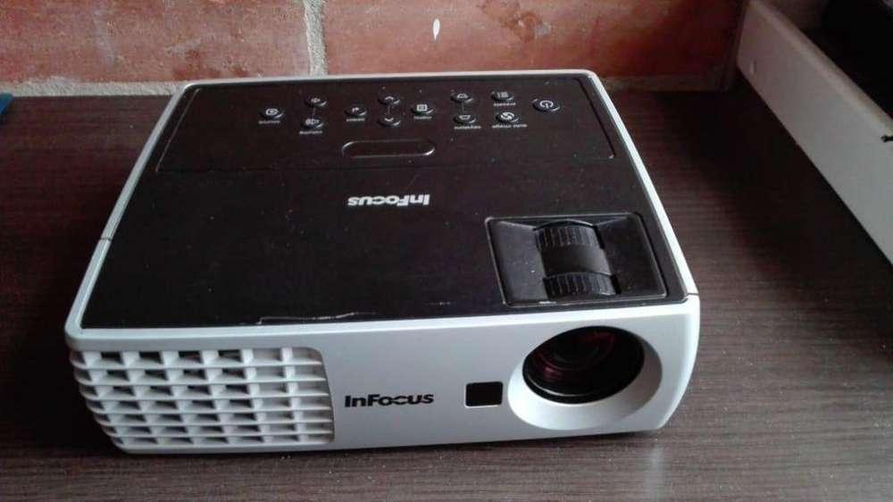 Proyector infocus imagen WXGA HD, ideal para ver televisión en pantalla grande envíos.