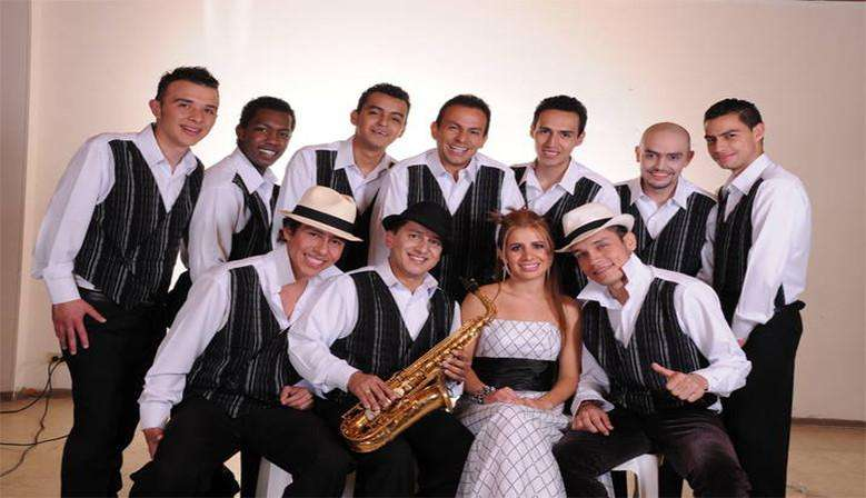 Orquesta tropical grupo son cubano Salsa parranda vallenata Show corralero Gaiteros