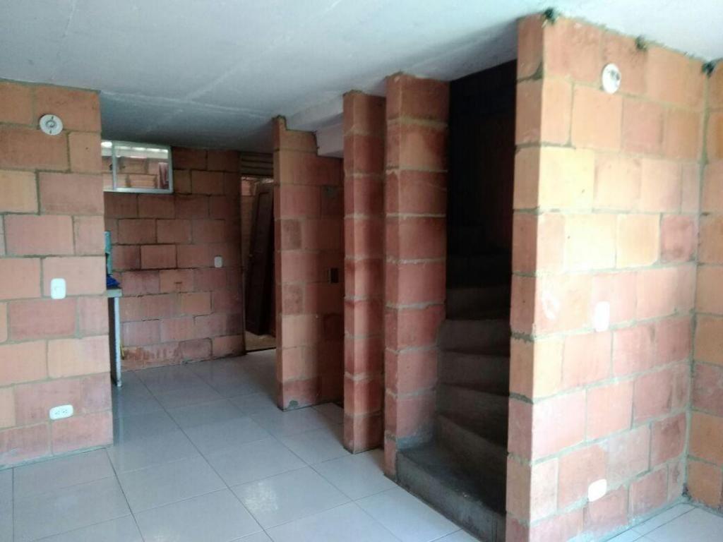 Se Vende Casa En Obra Gris Madrid Cundinamarca Informes Jhonny