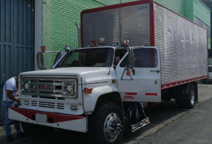 CHEVROLET C70 modelo 1987 camion sencillo con cupo