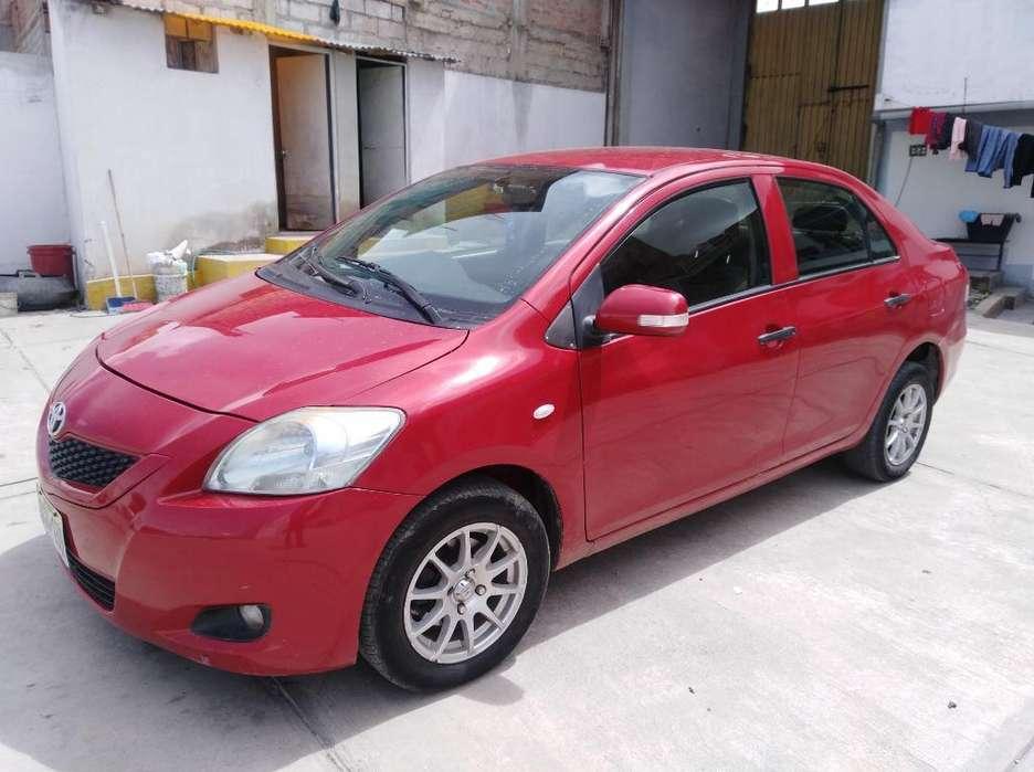 Toyota Yaris 2013 - 74000 km
