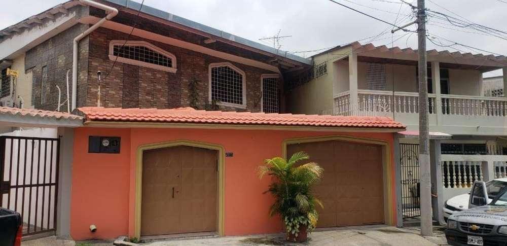 Se vende casa Alborada, Guayaquil norte