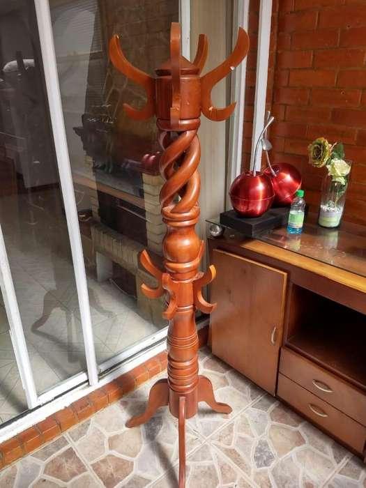 PERCHERO paragüero DE PIE EN madera. usado buen estado.