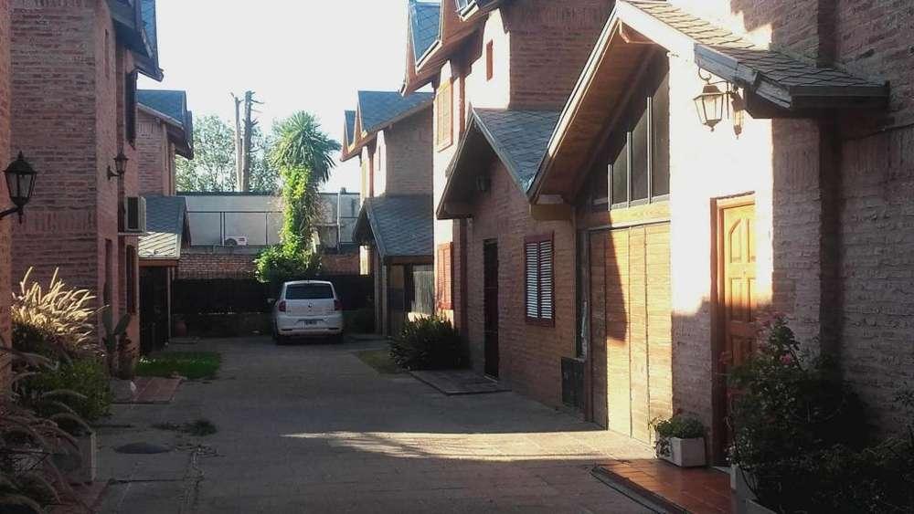 Dr Vera 100 - UD 100.000 - Tipo casa PH en Venta
