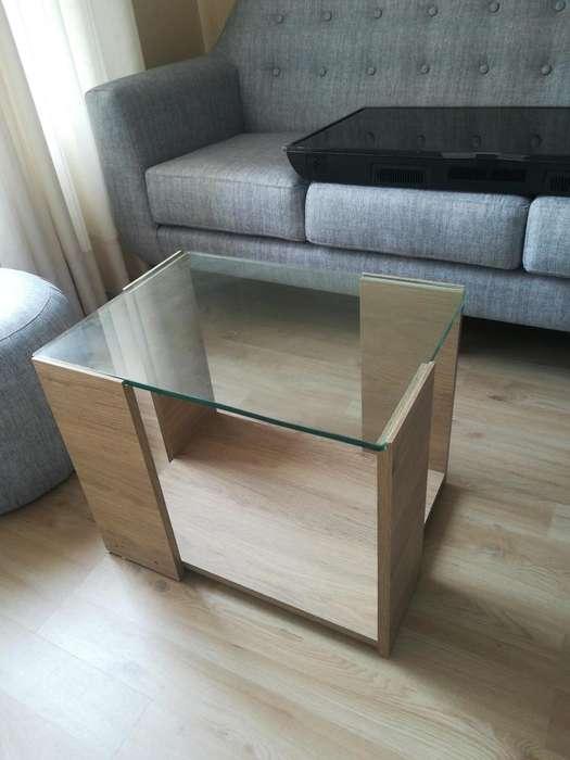 Mesa de centro vidrio color madera