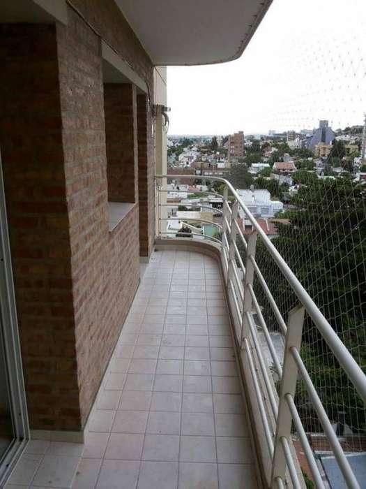 VENTA DEPARTAMENTO 2 DORM. CENTRO ALTO NQN-RIOJA Y S. CABRAL- UBICACIÓN INMEJORABLE!!