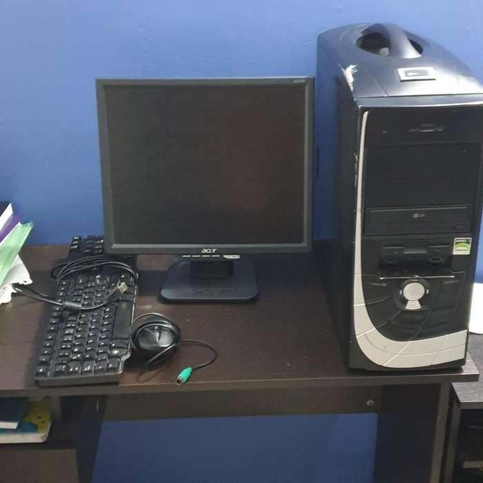 Computador en Buen Estado