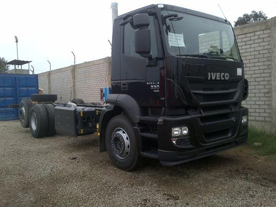 Tracto Camión Remolcador Iveco Stralis GNV 2013
