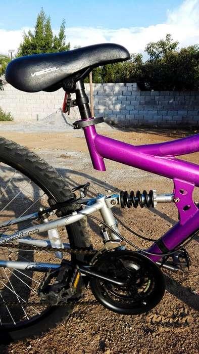 Bicicleta Vertical doble suspensión poco uso perfecto estado!