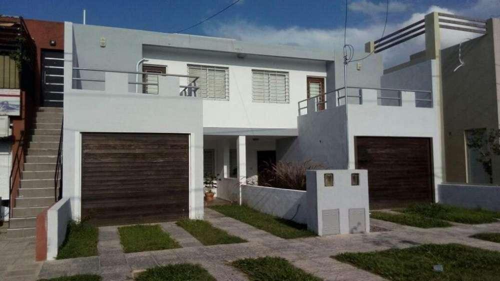 Venta <strong>duplex</strong> en Barrio Urbanización Gandhi