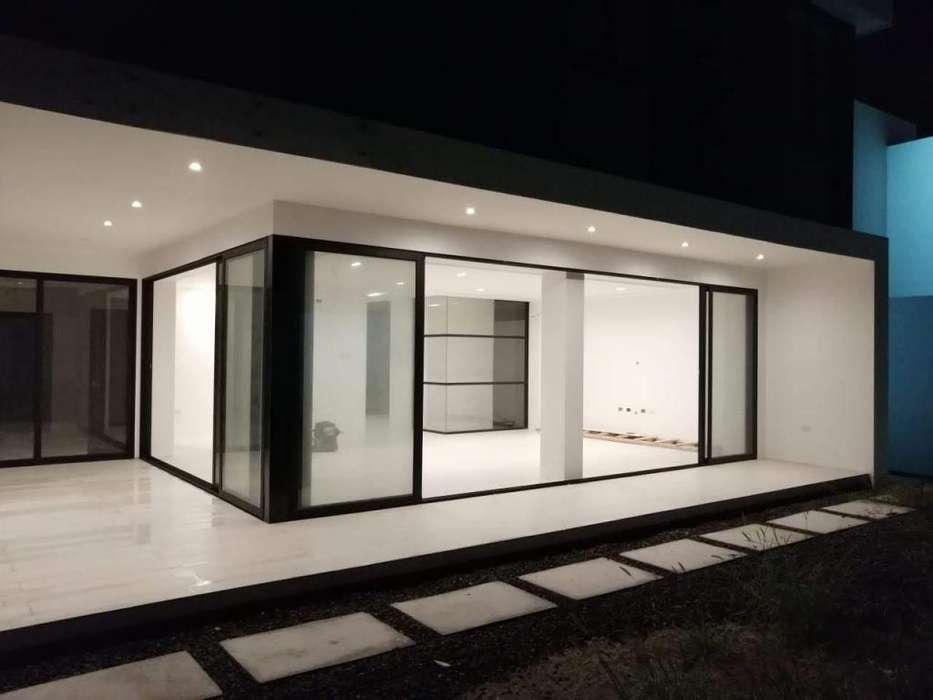 Se vende casa de <strong>lujo</strong> al Sur de Manta
