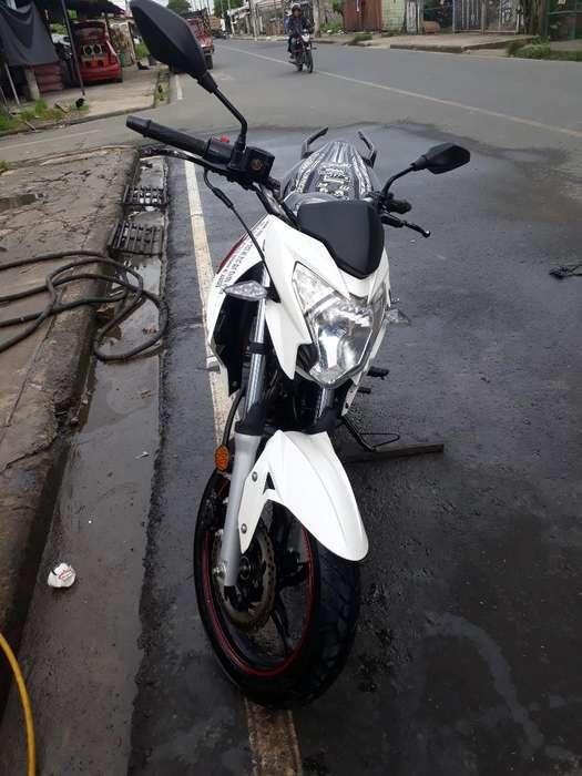 Se Vende Una Moto Toko Cr5 Motor 200