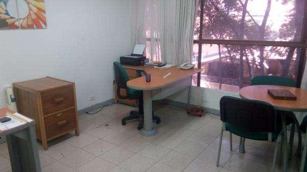 VENTA DE OFICINA EN LA CASTELLANA SUROCCIDENTAL MEDELLIN 622-6407