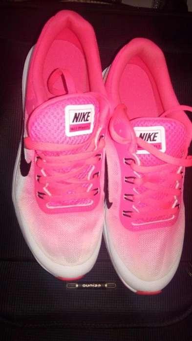 Deportivos Nike Mujer