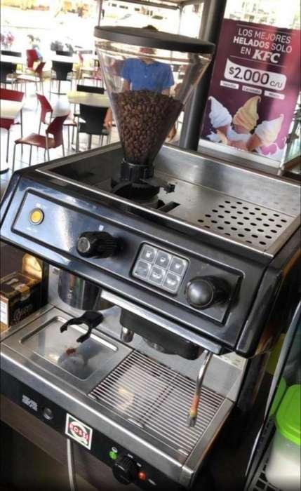 Maquina de Cafe Rossi Buen Estado