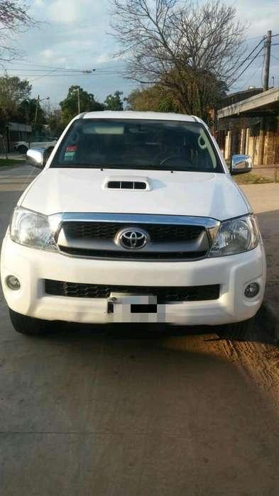 Toyota Hilux 2011 - 82000 km