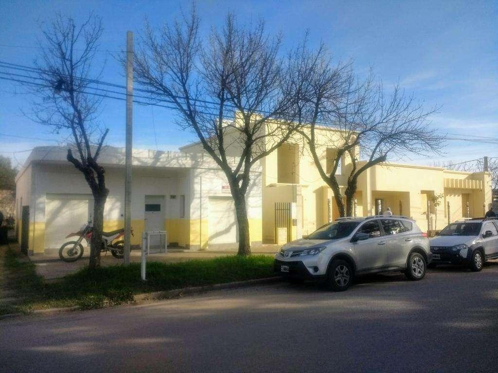 """"""" Casa"""" de 110 m2 y """"Galpón"""" de 110 m2 / """"Terreno"""" 592 m2 / LUQUE Picia de Córdoba"""