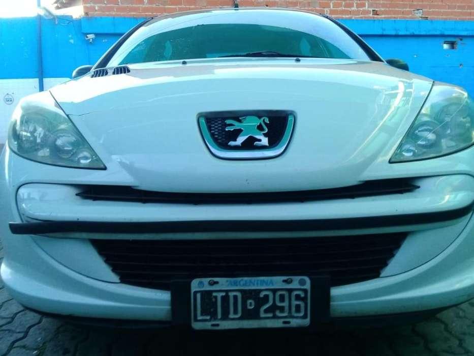 Peugeot 207 Compact 2012 - 180000 km