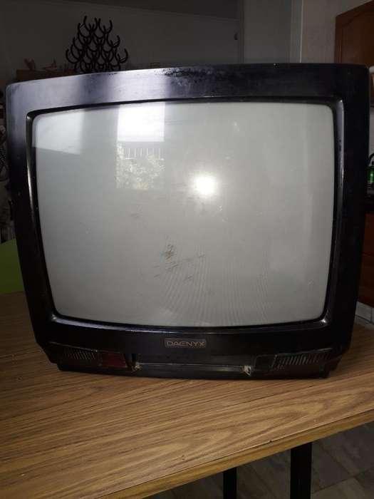 <strong>televisor</strong> Daenix