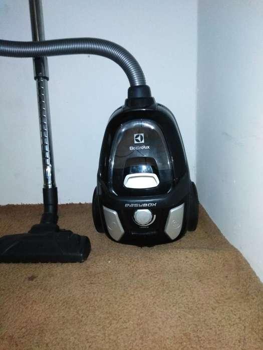Aspiradora Electrolux Easy Box 1600w Neg