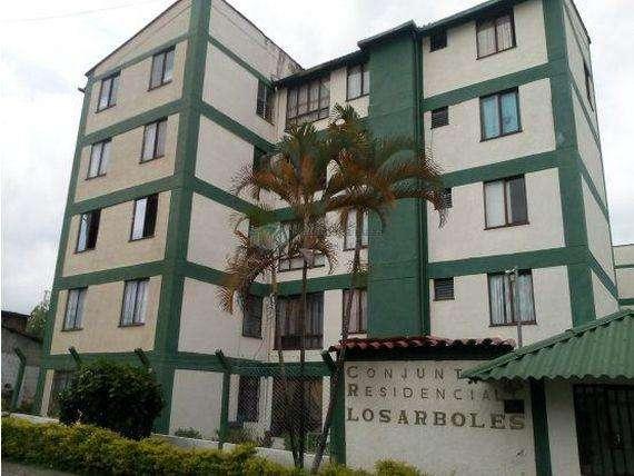 Apartamento bien ubicado frente a villa andrea