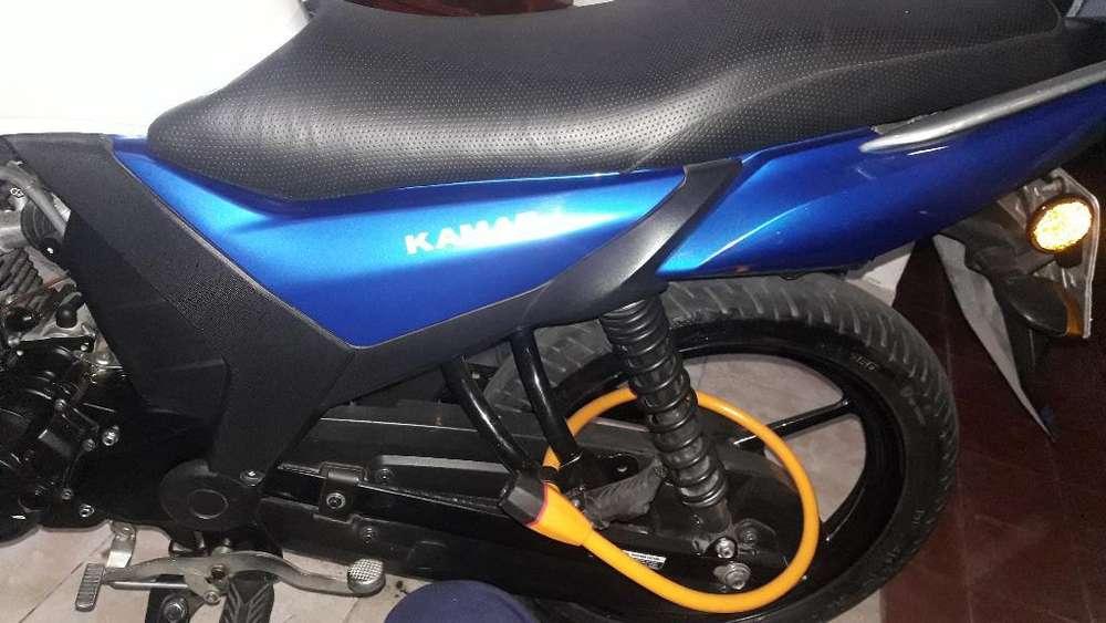 Vendo <strong>moto</strong> Exelente Estado.