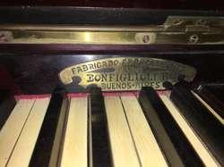 Excelente Piano Antiguo