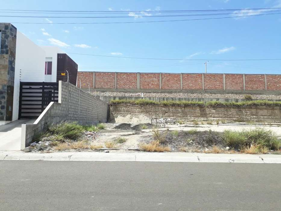 Terreno de venta en Altos Manta Beach