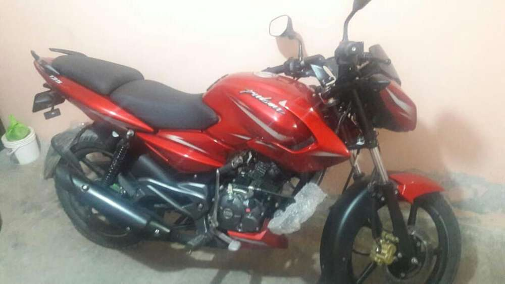 Vendo Moto Pulsar 135 <strong>nueva</strong>,motivo Viaje