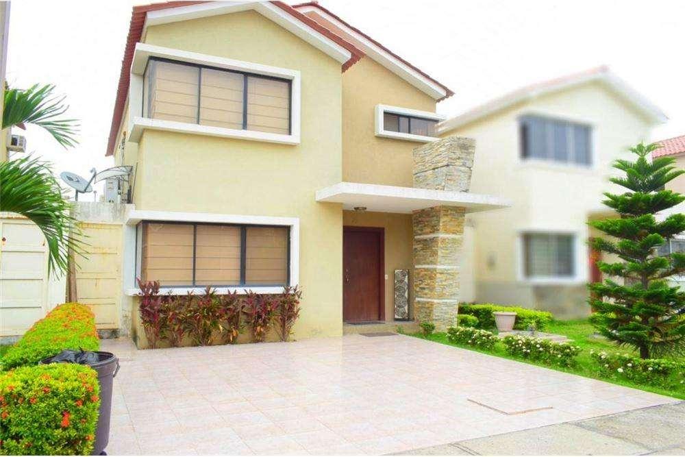 Casa de Venta en Urb. <strong>ciudad</strong> Celeste - La Brisa, Via Samborondon, Arturo Zambrano