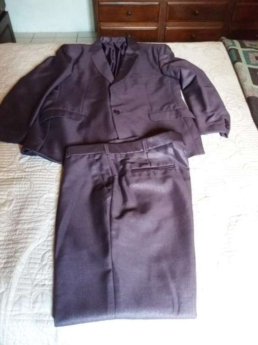 <strong>traje</strong> Hombre Color Uva Talle L