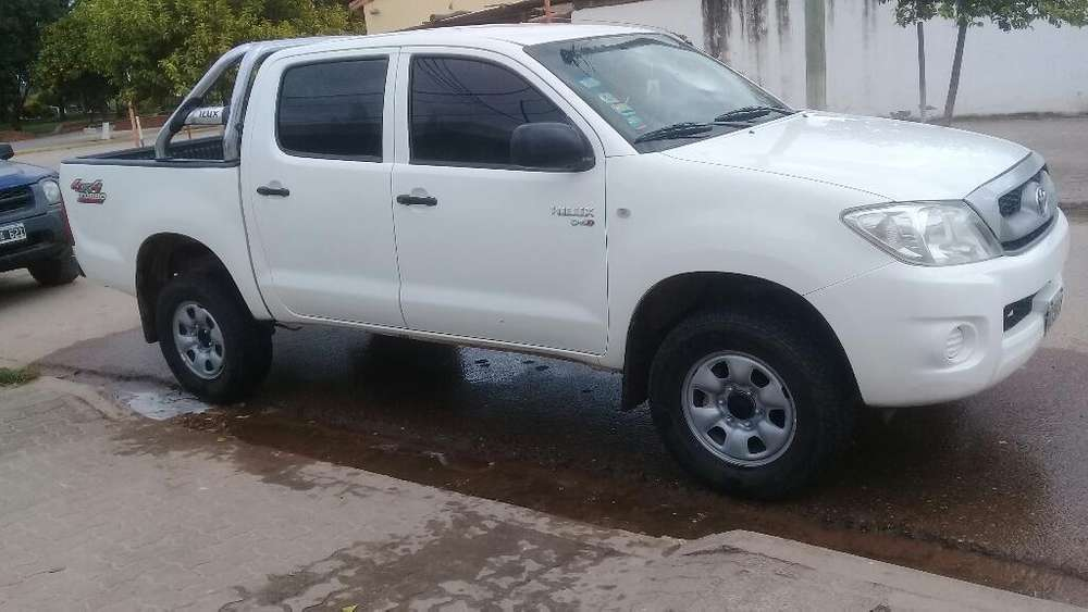 <strong>toyota</strong> Hilux 2010 - 100 km