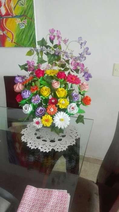 Ramo de Flores Artificiales