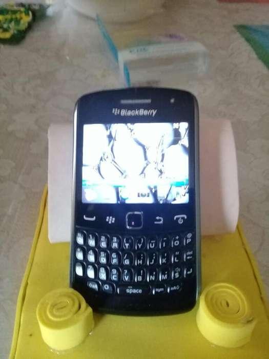 Vendo Black Berry Como Nuevo 0992296874