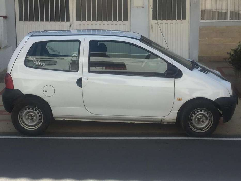 <strong>renault</strong> Twingo 2005 - 100 km