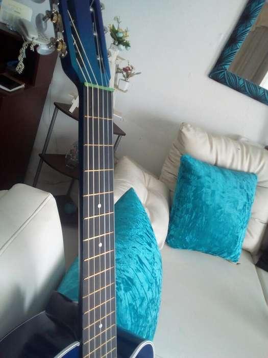 Vendo Hermosa Guitarra