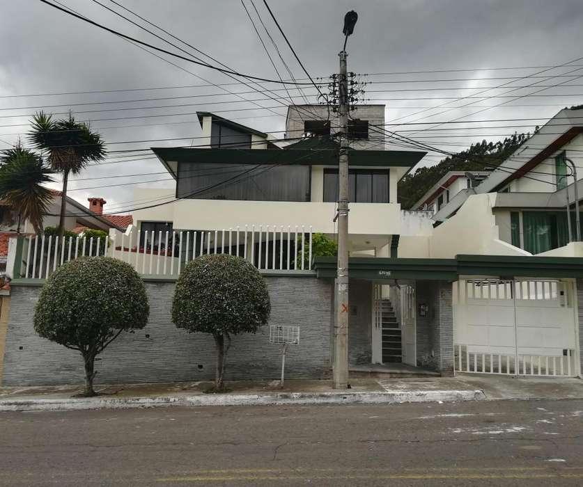 Casa de venta 400m2 3d. urbanizacion El Condado